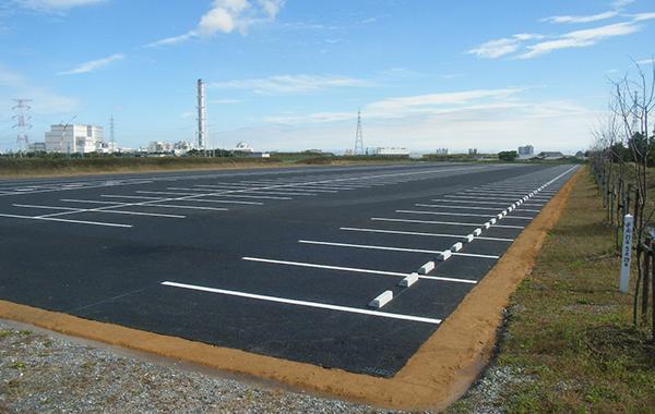 ソフトボール場駐車場舗装